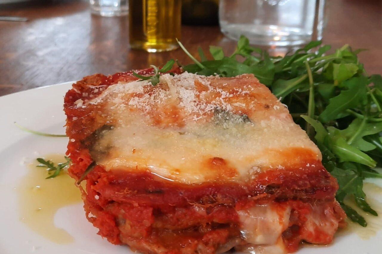 Parmigiana: weetjes over dit fantastische Italiaanse vegetarische gerecht