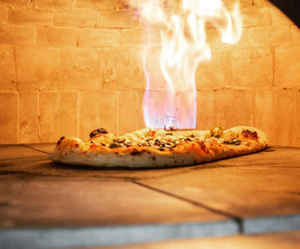 10 + 1 Klassieke Italiaanse pizza's die je in (bijna) alle Italiaanse restaurants kan vinden